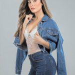 LAURA C BECERRA / Modelo Revelación